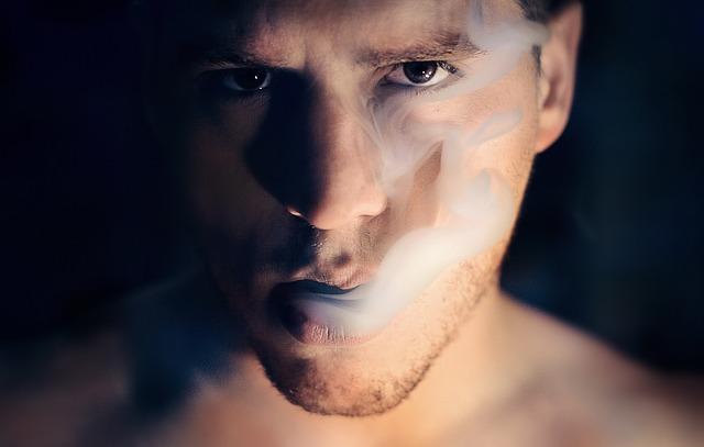 kouř z úst