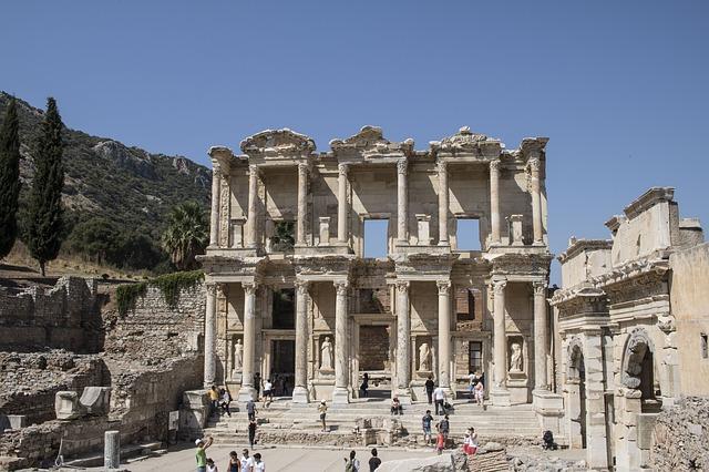 Ruiny Artemidina chrámu v Efesu