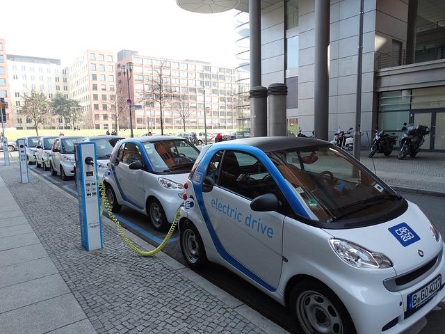 dostatek nabíječek pro elektrická auta