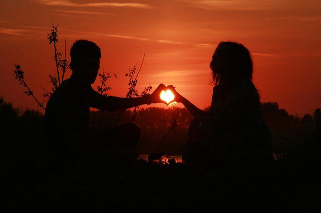 srdce při západu slunce